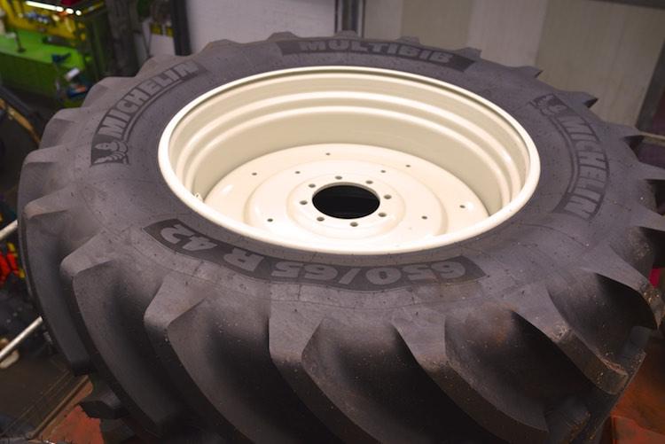 1 Paar Traktorräder 650/65 R 42 Michelin Multibib